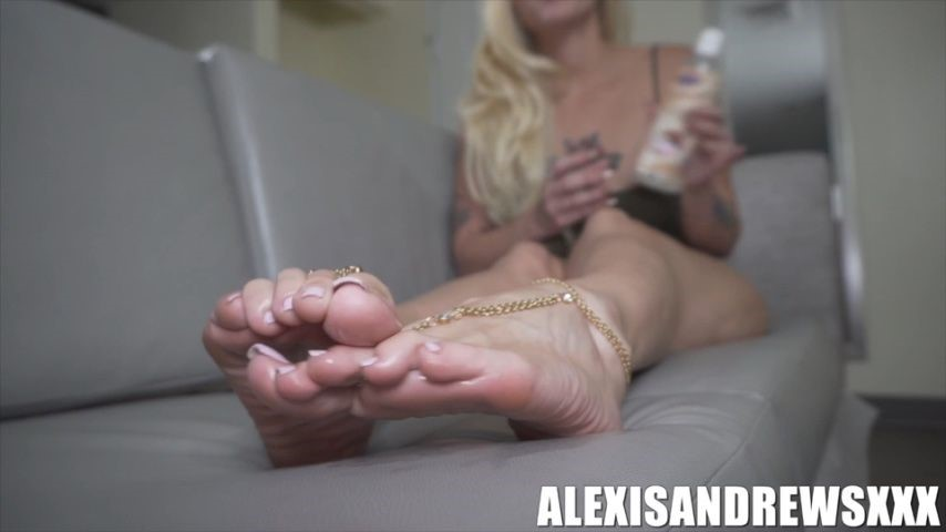 [SD] Alexis Andrews Xxx Freaky Foot Joi Alexis Andrews XXX - ManyVids-00:05:55 | Feet JOI,Foot Domination,Foot Fetish,Foot Humiliation,Foot Slave Training - 217,9 MB