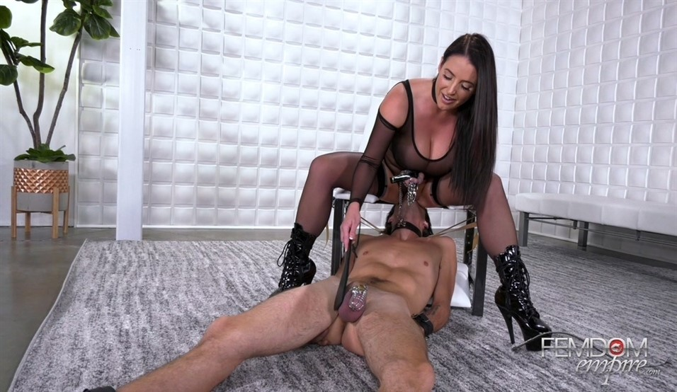 [Full HD] Angela White. Dinner Is Served Angela White - FemdomEmpire-00:14:42 | Pussy Worship, Femdom, Chastity, Stockings, Face Sitting, Brunette, High Heels, Queening, Busty, Big Butts - 1,2 GB
