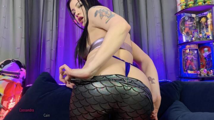 [4K Ultra HD] Cassandra Cain Shiny Obsession Cassandra Cain - ManyVids-00:16:25   Fetish Clothing,Ass Worship,Wet Look,Booty Poppin,Latina - 2 GB