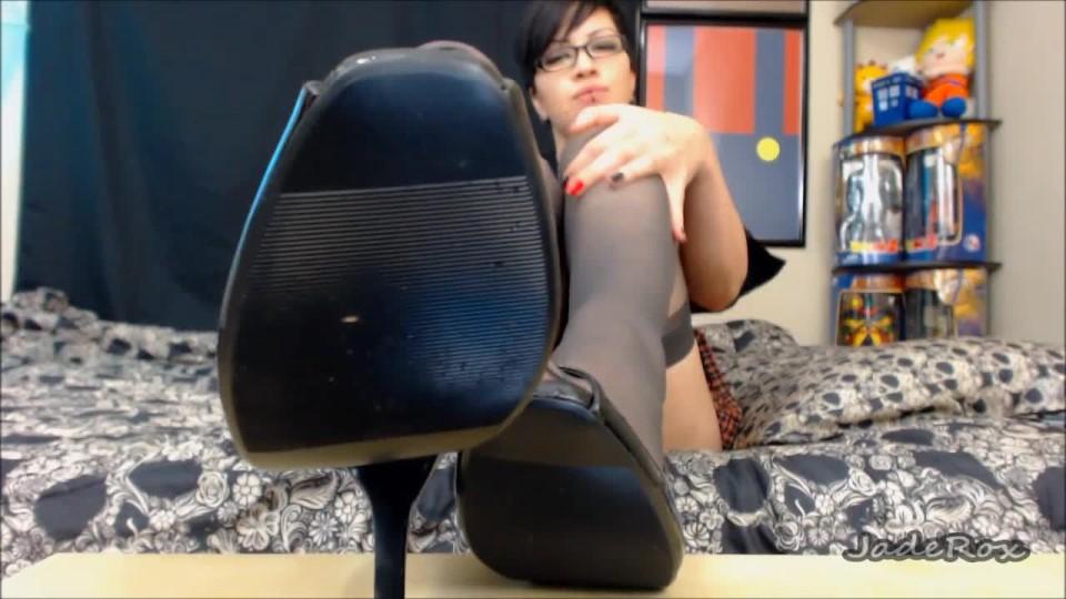 [HD] Cassandra Cain Shoe Licker Cassandra Cain - ManyVids-00:05:16 | Foot Fetish,Goddess Worship,High Heels,POV Foot Worship,Shoe Fetish - 118,8 MB