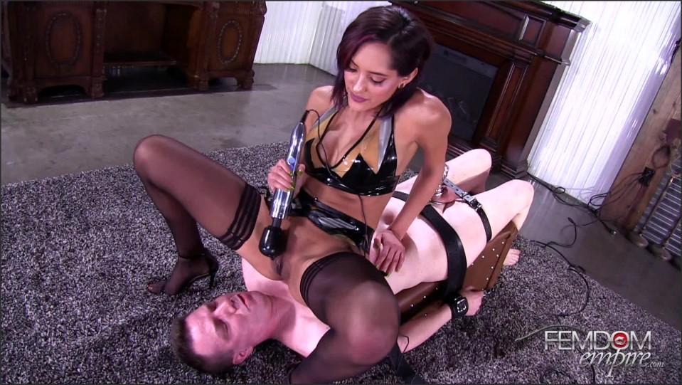[Full HD] Chloe Amour. His Pain, Her Pleasure Chloe Amour - FemdomEmpire-00:15:10 | Chastity, Pussy Worship, Femdom, Stockings, Brunette, High Heels, CBT, Latex, Queening - 1,3 GB