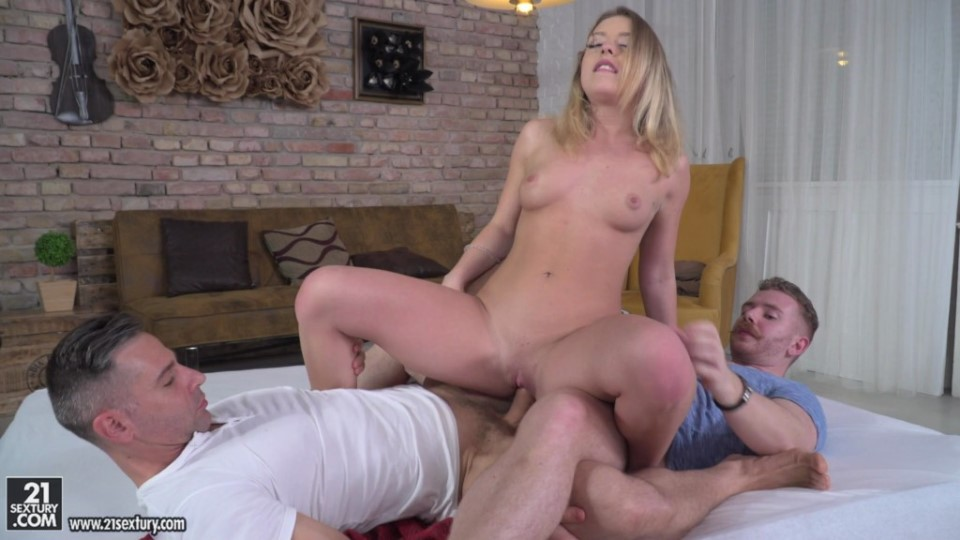 [Full HD] Danielle Soul, Toby, Chad Rockwell - Fret My Holes Mix - SiteRip-00:28:35 | DP, All Sex, Anal Sex, Blowjob - 1,3 GB