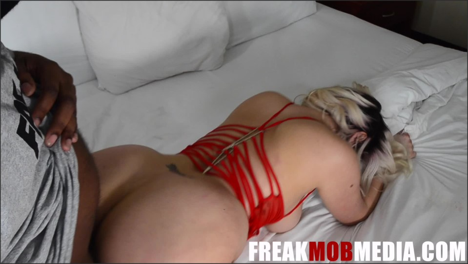 [Full HD] Freak Mob Media Layla Price Pawg Freak Mob Media - Manyvids-00:42:42 | Size - 6 GB