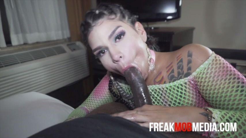 [Full HD] Freak Mob Media Phoenix Starr Devours Bbc Freak Mob Media - ManyVids-00:34:56 | Blow Jobs,Deepthroat,Latina,Blowjob,Interracial - 2 GB