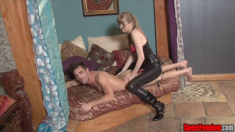 [SD] Goddess Kyaa Gives The Sweet Dick Goddess KyaaLance Hart - Sweetfemdom.Com-00:09:39 | STRAPON, PEGGING, FEMDOM, LEATHER - 270,2 MB
