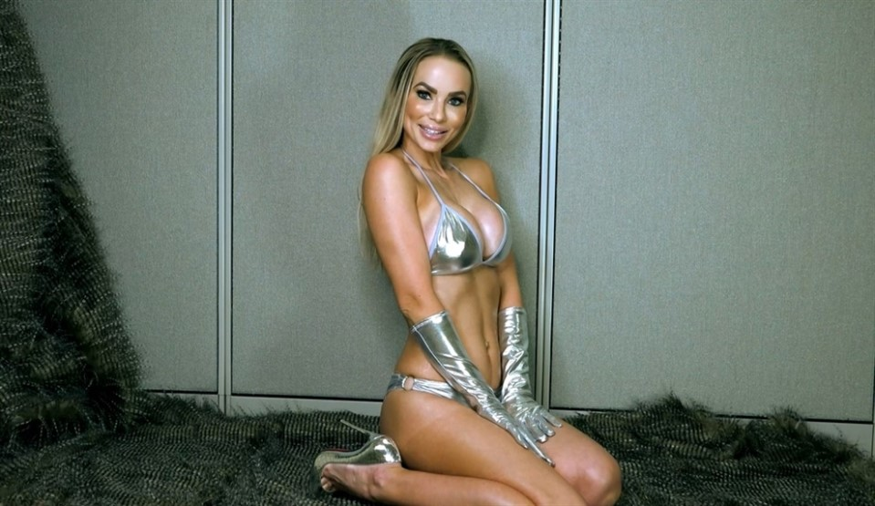 [Full HD] Goddess Platinum. Let Me Own You Goddess Platinum - AmericanMeanGirls-00:17:05 | Big Tits, Foot Fetish, Bikini, High Heels, Humiliation, Femdom, Shiny Clothing, POV, Blonde - 1,5 GB