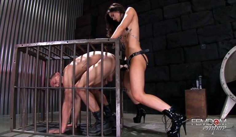 [Full HD] Kendall Karson - Caged Fuck Pet Kendall Karson - FemdomEmpire.com-00:13:28 | Strapon, FemDom, Bondage - 784,8 MB