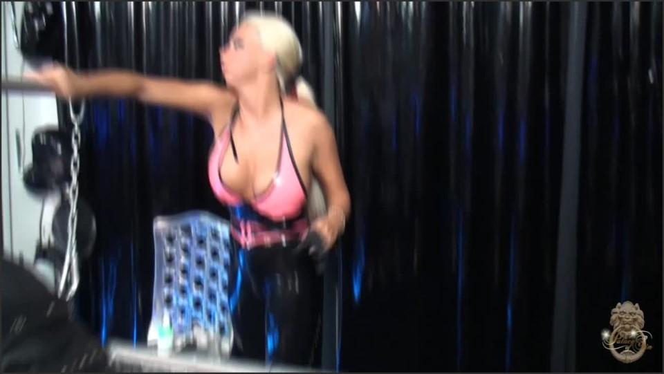 [HD] Lady Kate BT QuotFilmmaker In Trouble 02 Mix - SiteRip-00:09:30 | Latex, Big Tits, CBT, Sadism, Humiliating, Device, Bondage, Femdom - 336,3 MB