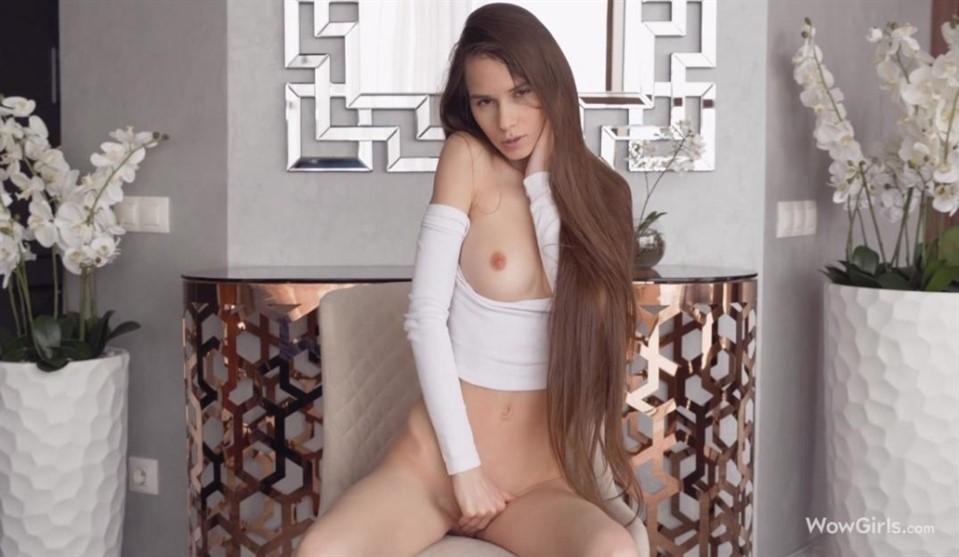 [Full HD] Leona Mia - Stunning Gift Of Nature Mix - SiteRip-00:18:28 | Shaved Pussy, Masturbation, Solo - 1,5 GB