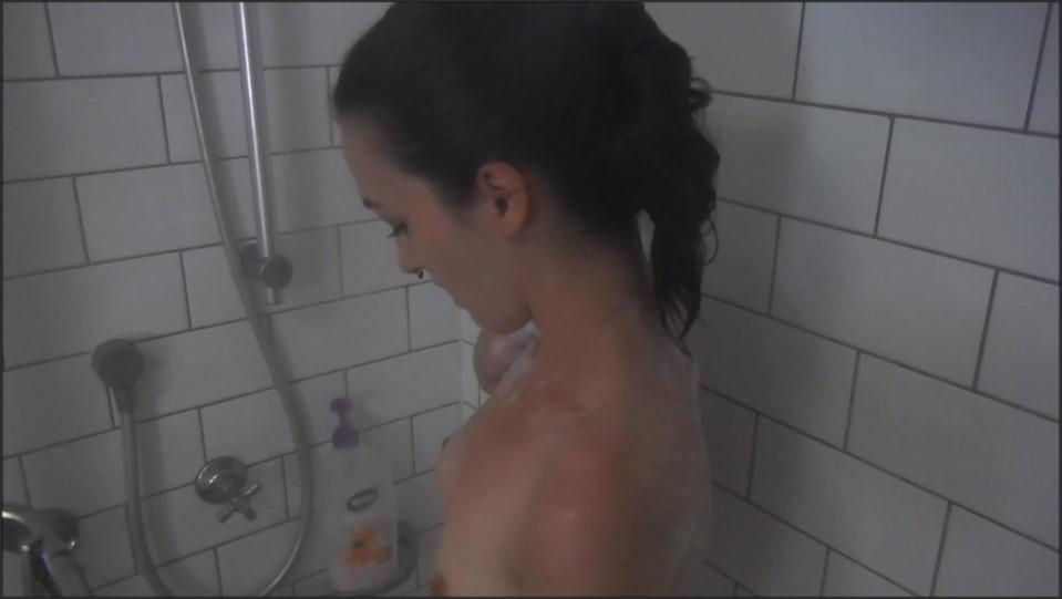 [Full HD] Lucidphoenixxx Custom Hidden Camera Sudsy Shower LucidPhoenixxx - ManyVids-00:15:09 | Shower,Shower Scenes,Voyeur,Voyeur Cams - 1,3 GB