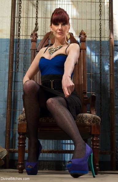 [HD] Maitresse Ruhl. Maitresse Madeline is looking for a private slave for her home Mix - SiteRip-00:59:34 | Femdom, Strapon - 2,1 GB