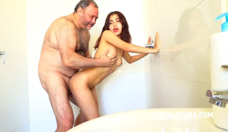 [HD] Marina Gold - SEX IN THE SHOWER Marina Gold - SiteRip-00:17:10 | Blowjob, All Sex, Creampie - 516,7 MB