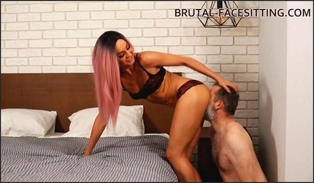 [HD] Mistress Rebeca - Updated 26 October 2018 Mix - Brutal-Facesitting.com-00:19:46   Pussy Worship, Facesitting, Cunnilingus, FemDom - 596,9 MB