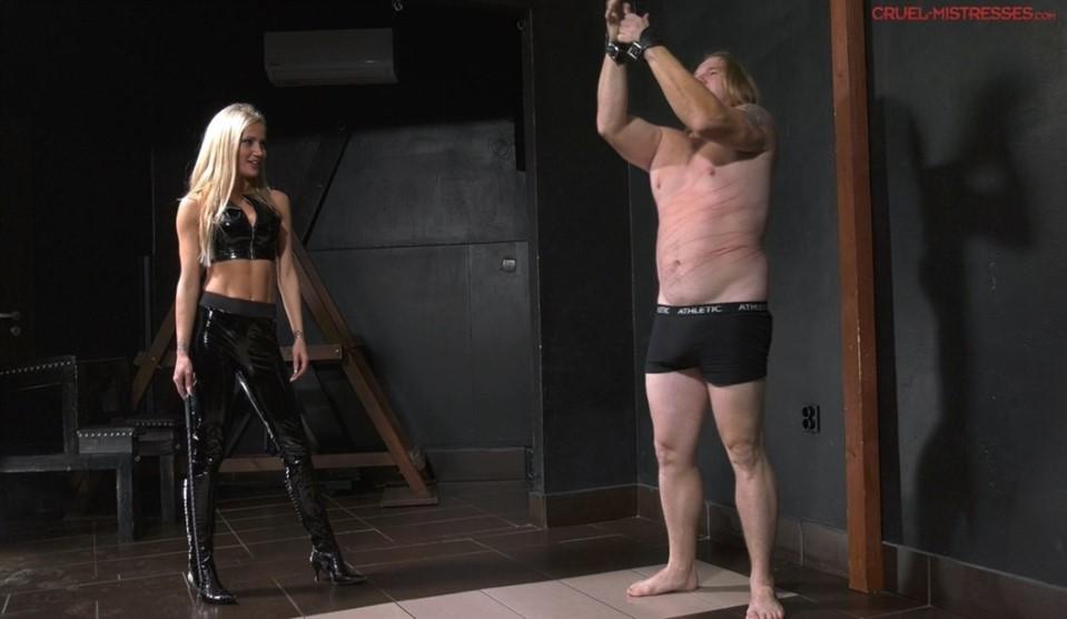 [Full HD] Mistress Tatjana. The Slave Hates The Strokes Mistress Tatjana - SiteRip-00:09:32   Femdom, Blonde, Corporal Punishment, Humiliation, Whipping, High Heels - 853,3 MB