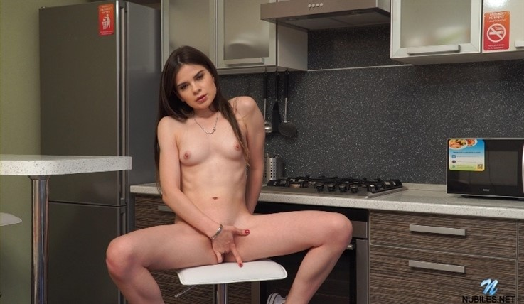 [Full HD] Molly Brown - Tiny Vibe 01.10.19 Mix - SiteRip-00:13:38 | Fair Skin, Short Girls, Masturbation, Big Nipples, Small Boobs, Socks, Solo, Long Hair, Brunette, Shaved Pussy, Girl Orgasm, Biki...