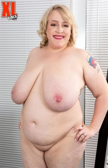 [Full HD] Oxana Minsk - Thick Thighs Save Lives Oxana Minsk - SiteRip-00:14:23 | Chubby, Natural Tits, Solo, Big Ass, Blowjob, Curvy, BBW, Masturbation, Voluptuous, Big Tits, Blonde - 561,8 MB