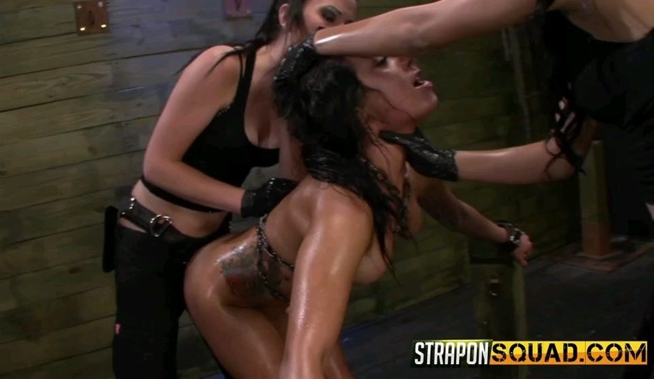 [SD] Slutty Slave Isa Mendez Gets Dominated And Used By Lexy Villa And Brooklyn Daniels Isa Mendez, Lexy Villa, Brooklyn Daniels - SiteRip-00:28:13 | Rough, Strapon, Slapping, Gagging, Lezdom, Spitting, Fingering, Deepthroat, Lesbian - 342,9 MB