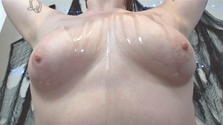 [Full HD] Squeezypeach Baby Oil Titties Squeezypeach - ManyVids-00:06:38 | Close-Ups,Kink,Lotion/Oil Fetish,Nipple Play,Oil - 777,4 MB