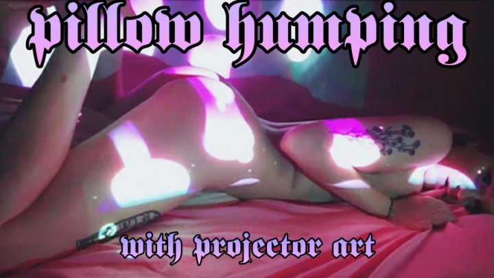 [Full HD] Squeezypeach Projector Pillow Hump Squeezypeach - ManyVids-00:18:29 | Pillow Humping,Twerk,Beautiful Agony,Art,Erotic Magic - 1,9 GB