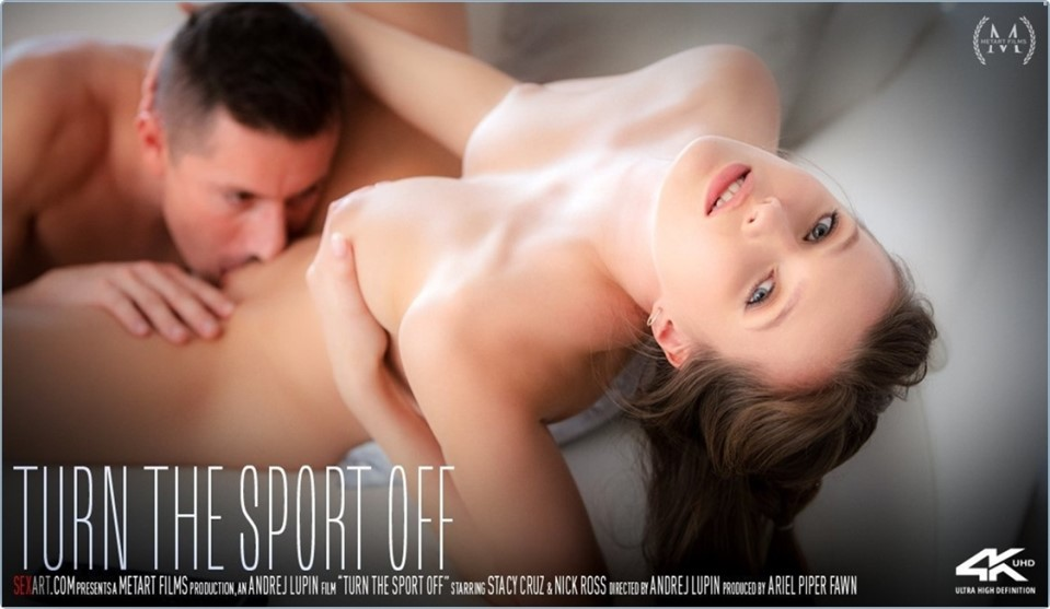 [4K Ultra HD] Stacy Cruz & Nick Ross - Turn The Sport Off Stacy Cruz - SiteRip-00:19:47 | Brunette, Couch, All Sex, Breasts, Barefoot, Creampie, Striptease, Fingering, Indoors - 5,6 GB