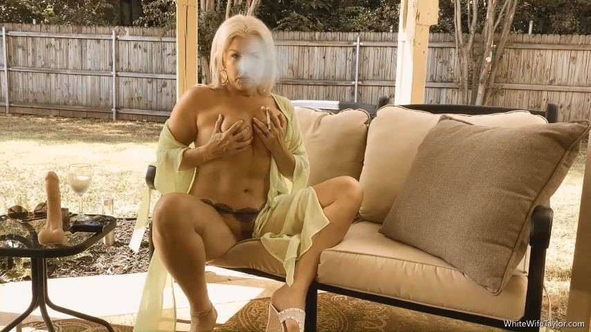[Full HD] taylor leigh smoking whitewife menthol masturbation Taylor Leigh - ManyVids-00:11:58 | MILF,Hot Wives,BBW Smoking,Huge Dildo,Masturbation - 415,7 MB