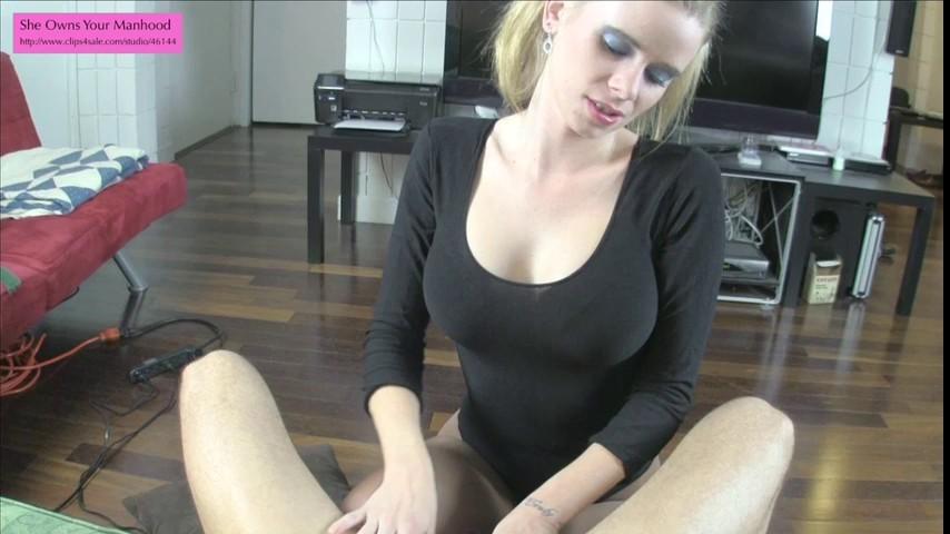 [SD] Vanessa Vixon - Vanessa Sucks Your Dick Before Castration Vanessa Vixon - SiteRip-00:22:33   Pantyhose, Big Tits, Pantyhose + Leotard, Emasculation, Blowjob, Cumshot - 503,5 MB