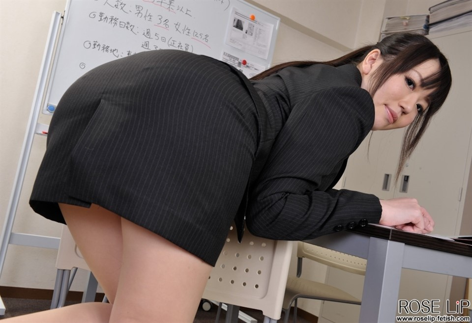 [SD] Willow - Office Slave  PicSet 149 Foto 1000X750 Willow - SiteRip-00:24:34 | Office, Uncensored, Japanese Femdom, Pissing, Cunilingus, Facesitting - 297,6 MB