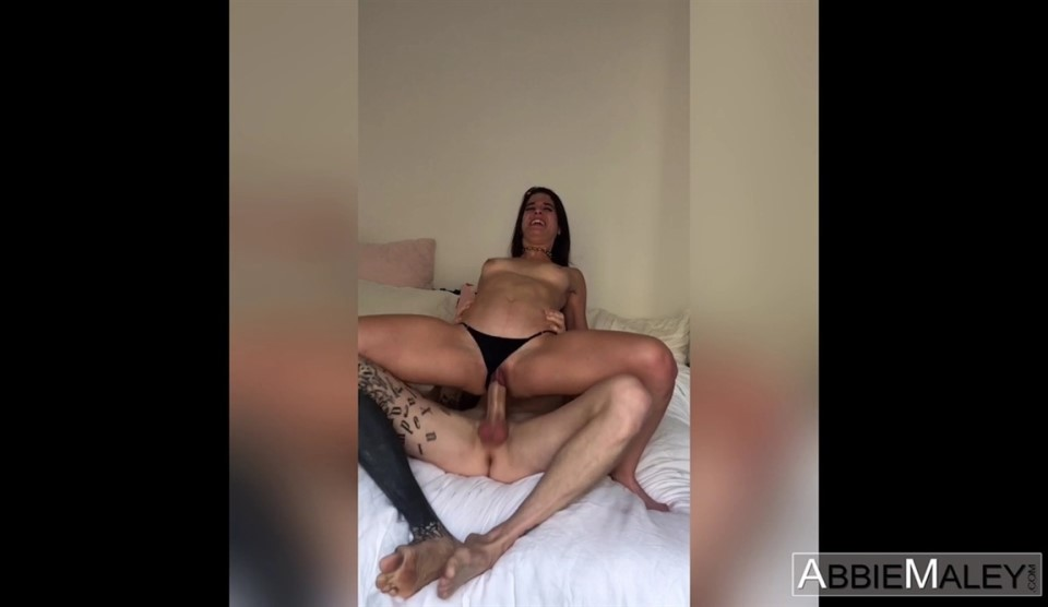 [HD] Abbie Maley aka Wednesday Parker - Owen Owns This Pussy Mix - SiteRip-00:39:13 | Teen, Creampie, Hardcore, Gonzo, All Sex - 1,4 GB