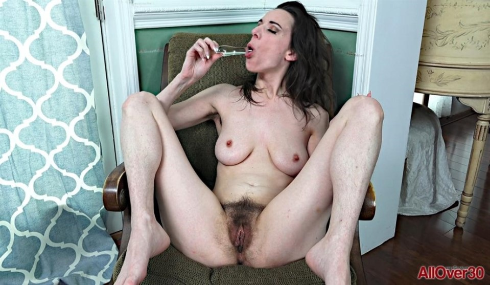 [Full HD] Alora Jaymes Alora Jaymes - SiteRip-00:12:03 | Skinny, Hairy Legs, Hairy Pussy, Hairy Armpits, Glass Dildo, Mature, Masturbation - 1,5 GB
