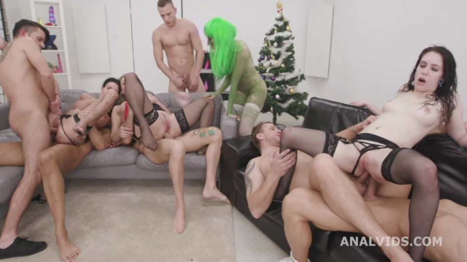 [HD] Anna De Ville, Brittany Bardot And Laura Fiorentino Mix - SiteRip-00:05:45 | DAP, MILF, Anal, Big Tits, Music - 250,6 MB