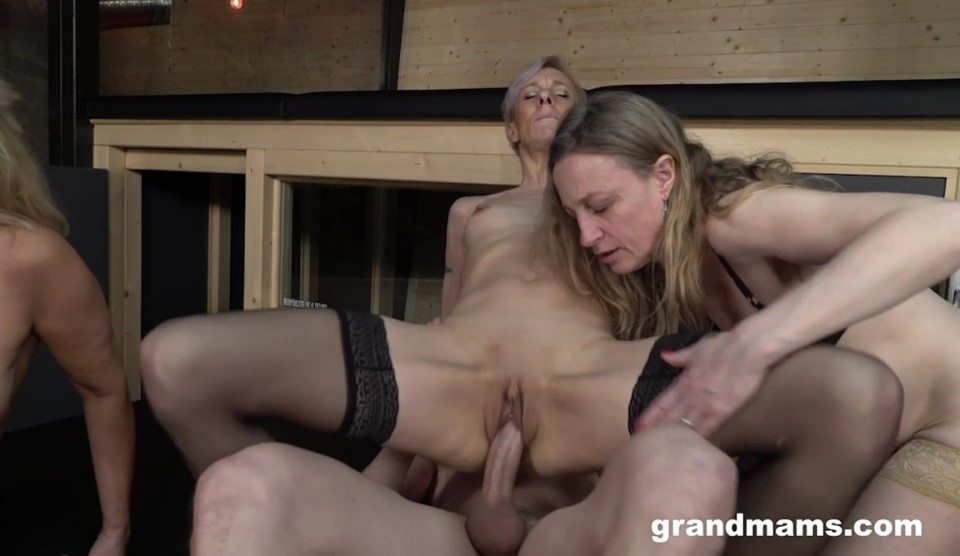 [HD] Belinda Bee & Koko & Renate - Triple Blonde Granny Orgy Mix - SiteRip-00:24:45 | Gonzo, MILF, Group Sex, Orgy, Hardcore, All Sex - 922 MB
