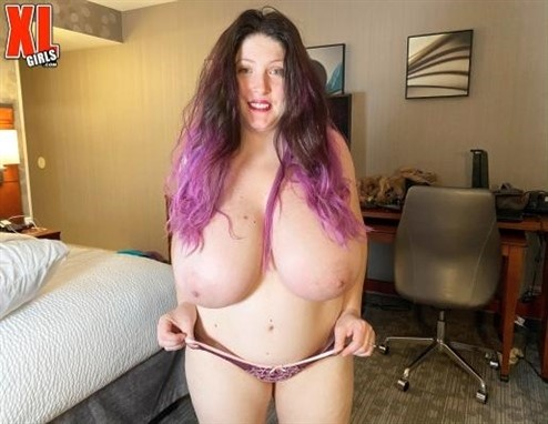 [Full HD] Demora Avarice - Size Matters Demora Avarice - SiteRip-00:16:40 | Solo, Voluptuous, BBW, Chubby, Masturbation, Big Tits, Blowjob, Big ass, Natural tits, Curvy, Brunette - 928,2 MB