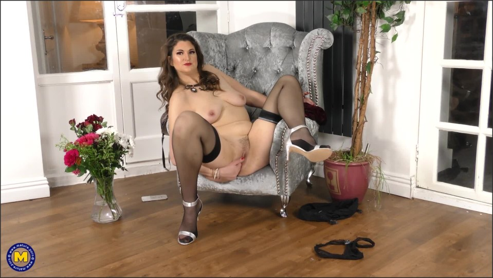[Full HD] Felicity - Tall Felicity is eager to show off every inch of her Felicity (34) - SiteRip-00:15:56 | Solo, Masturbation, Pantyhose - 762,5 MB