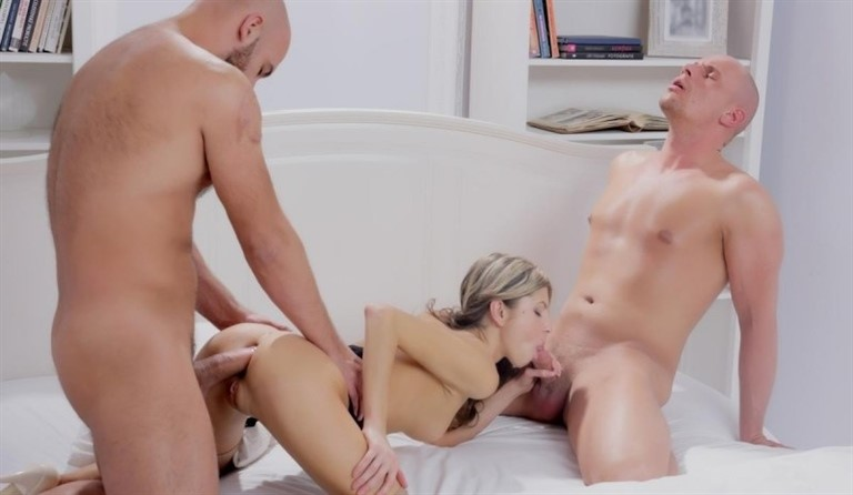 [HD] Gina Gerson - Fantasy MMF threesome with hot European babe in stockings Gina Gerson - SiteRip-00:21:31 | Anal, 3some - 405,8 MB