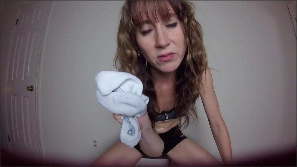 [Full HD] GoddessTKelly Alpha Turned Foot Freak GoddessTKelly - Manyvids-00:10:16 | Size - 1,4 GB