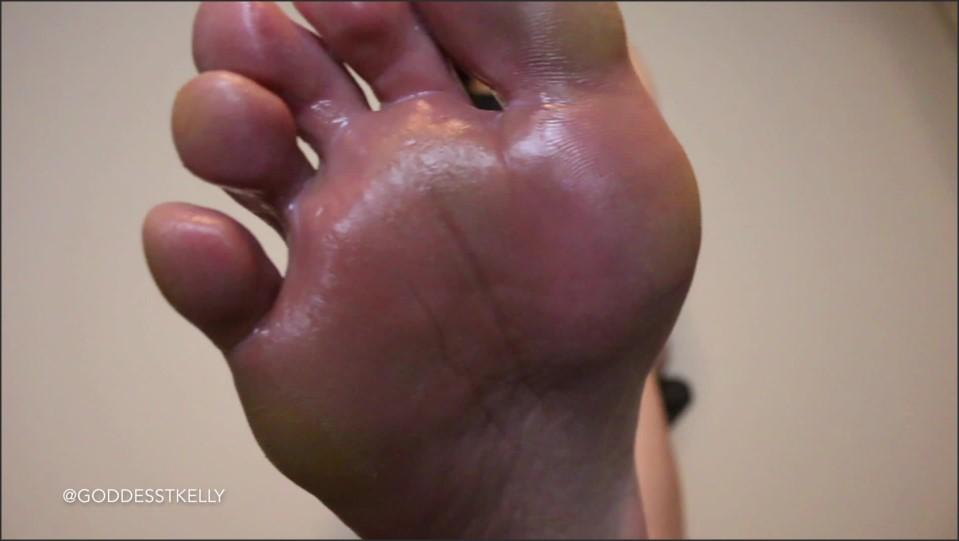 [Full HD] GoddessTKelly Be My Foot Cuck GoddessTKelly - Manyvids-00:05:24 | Size - 783,2 MB