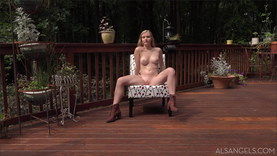 [4K Ultra HD] Harlow West & Everly Harlow West & Everly - SiteRip-00:25:16 | Lesbo, Photoshoot, Posing, Shaved, Outdoor - 3,6 GB