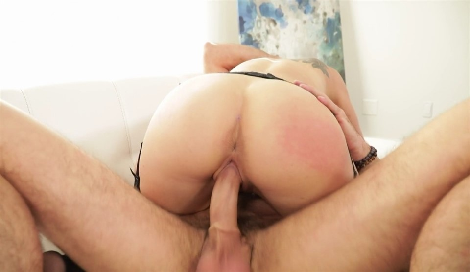 [HD] Kenzie Taylor - ItS A Mommy Thing 11 Mix - SiteRip-00:28:15 | Hardcore, Gonzo, All Sex, MILF - 633,4 MB