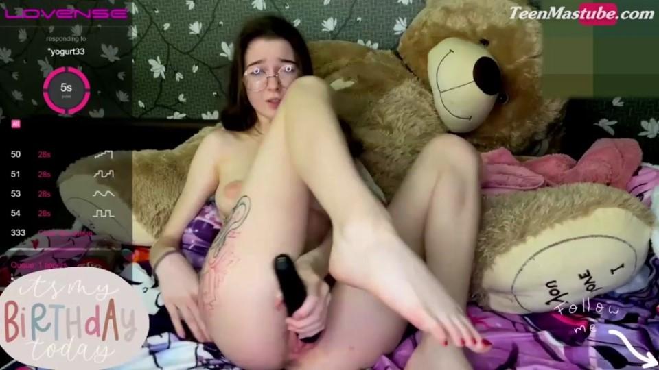[HD] Krizotxxx 2021-01 Mix - SiteRip-00:15:32 | Masturbation, 720P, Amateur, WEBDL - 188,2 MB