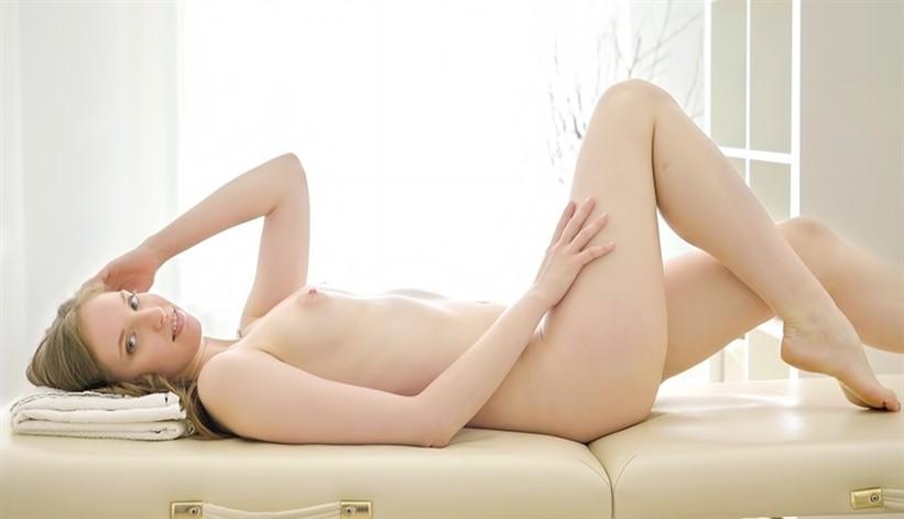 [4K Ultra HD] Mellisandra Masseur Bangs a Visitor Mix - SiteRip-00:16:23 | Blonde, Teen, All Sex, Long Hair, Massage - 1,6 GB
