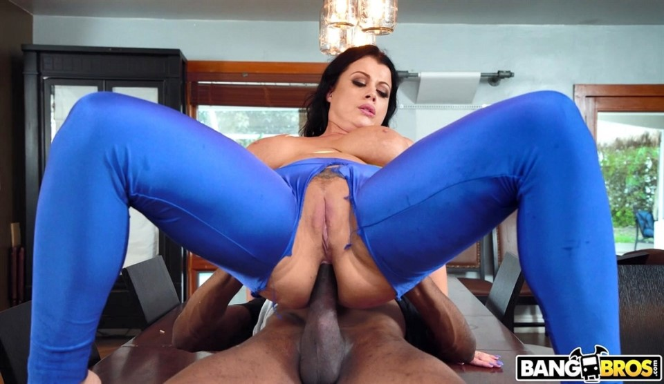 [HD] Nadia White. The Booty Bandit Nadia White - SiteRip-00:33:20   BBC, Cumshot, Anal, All Sex, Role Playing, Deepthroat, Facial, Interracial, Blowjob, Big Ass, Big Tits, 1 On 1, ATM, Hardcore - 505,8 MB