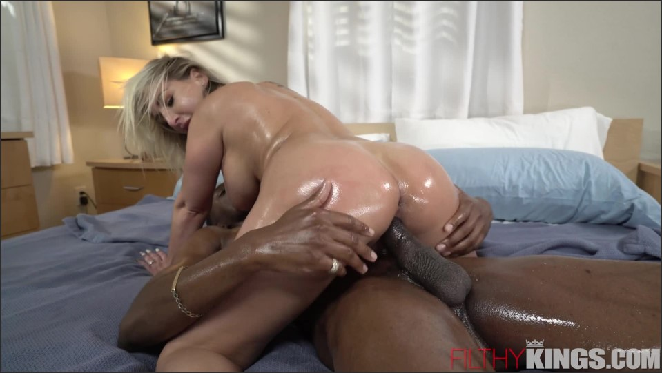 [Full HD] Quinn Waters - Busty Blonde Gets BBC in Booty Quinn Waters - SiteRip-00:41:38 | Hardcore, Oiled, BBC, Big Tits, Anal, Blowjob, Fingering, Massage - 1,8 GB