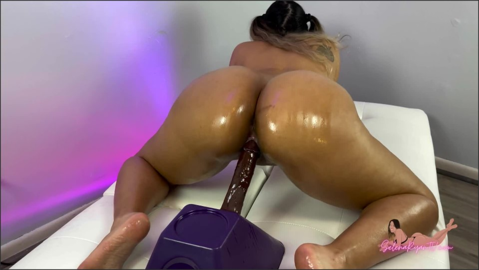 [Full HD] Selena Ryan Big Oiled Latina Ass Riding Dildo And Twerking_1080P Selena Ryan - Manyvids-00:11:23 | Size - 287,8 MB
