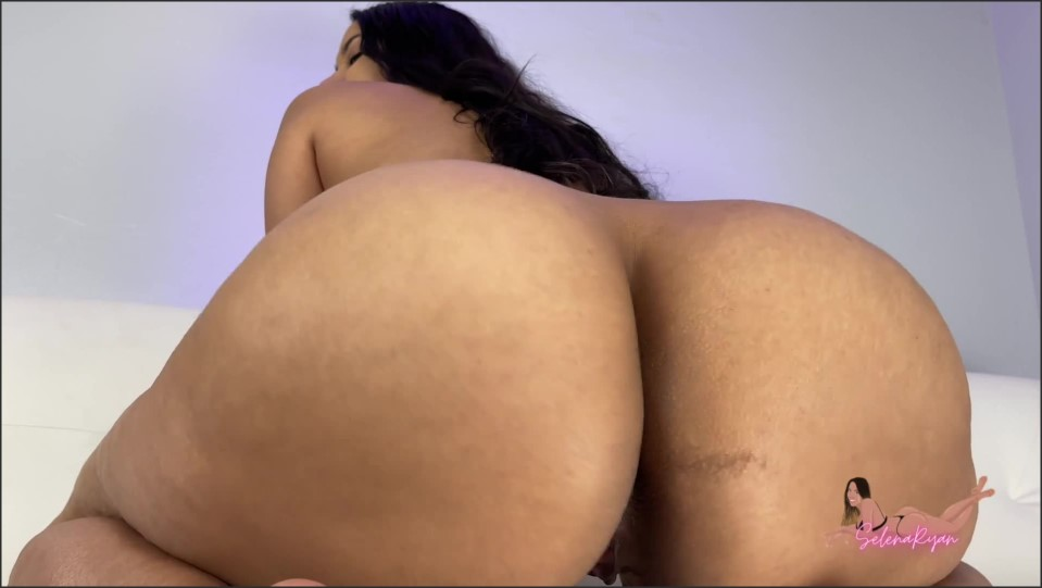 [Full HD] Selena Ryan Wet Latina Pussy Grips And Creams On BBC Dildo_1080P Selena Ryan - Manyvids-00:10:29 | Size - 236,6 MB