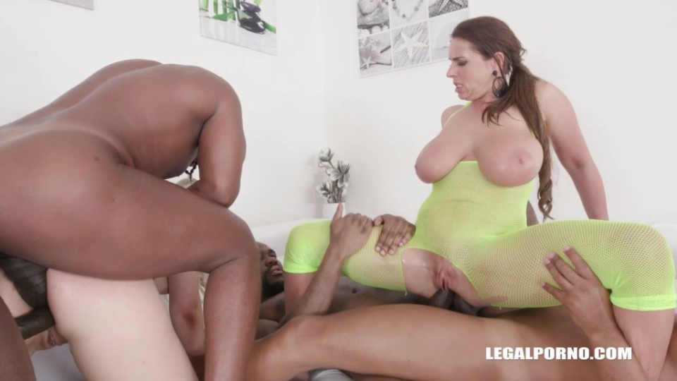 [HD] Selvaggia & Sexy Susi Mix - SiteRip-00:07:19 | big tits, music, small tits, anal, DAP, MILF - 476,6 MB