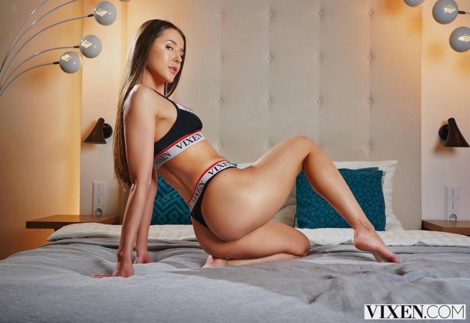[Full HD] Sybil - In Bed With Sybil Sybil - SiteRip-00:22:38 | Hardcore, Gonzo, POV, All Sex, Small Tits, Brunette, Blowjob - 1,6 GB