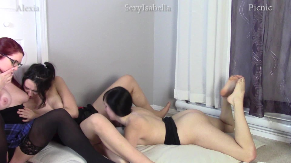[Full HD] Alexia96 Sisters Caught Fucking Alexia96 - ManyVids-00:17:05 | Taboo,Lesbians,Big Boobs,Role Play,Amateur - 1,4 GB