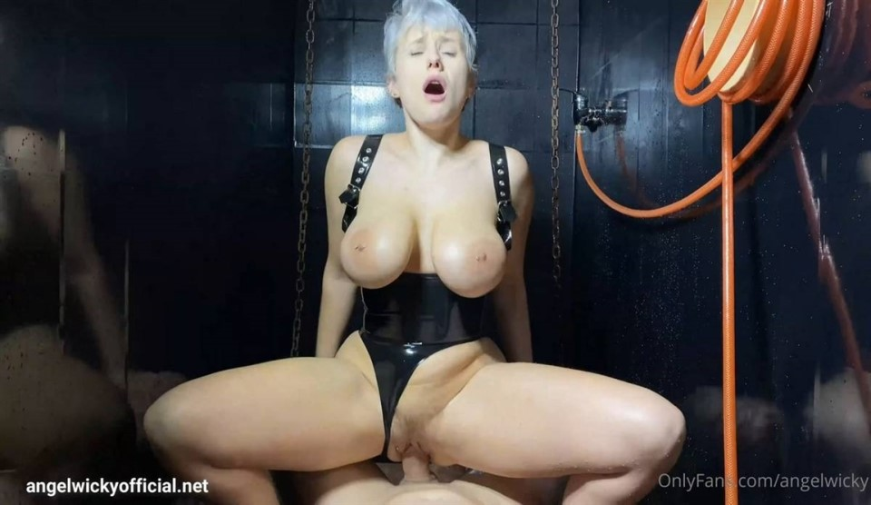 [Full HD] Angel Wicky - Crazy Naughty Squirting And Anal Fucking in my Dungeons Shower Angel Wicky - SiteRip-00:17:43 | Anal, Anal Creampie, Big Tits, Hardcore, Blowjob, Bubble Butt, MILF, POV, Blo...