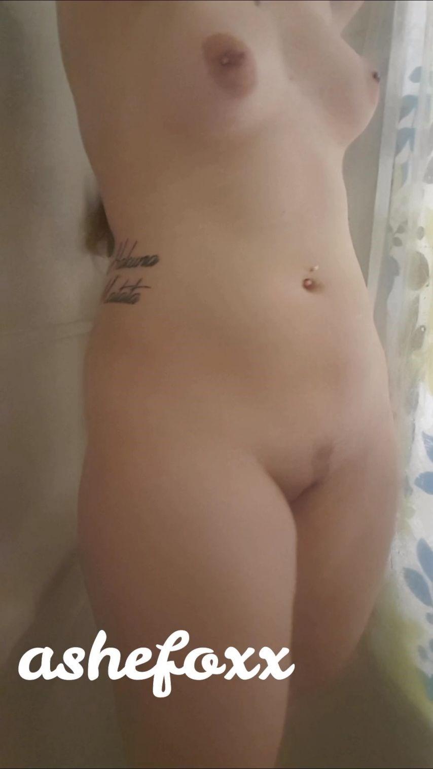 [SD] Ashefoxx Shower Voyeur Spycam Ashefoxx - ManyVids-00:08:13 | Shower,Shower Scenes,Nudity/Naked,Solo Female,Piercings - 482,3 MB