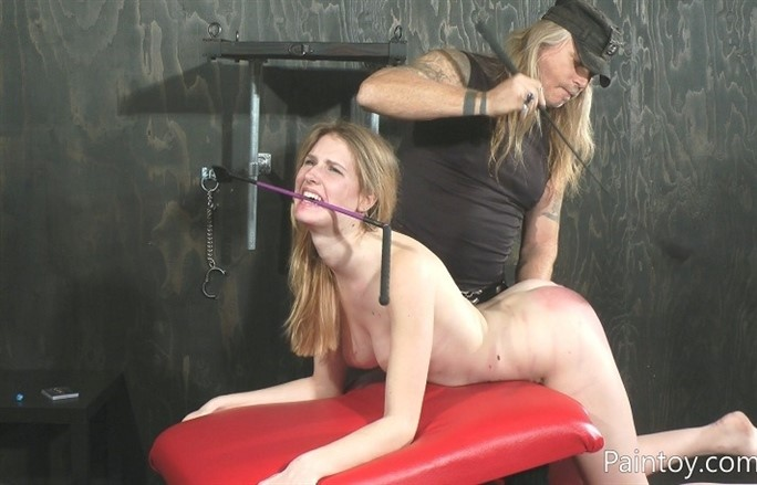[Full HD] Ashley Lane - Spanked With A Riding Crop Ashley Lane - SiteRip-00:05:23 | BDSM, Humiliation, Torture, Spanking - 229,8 MB